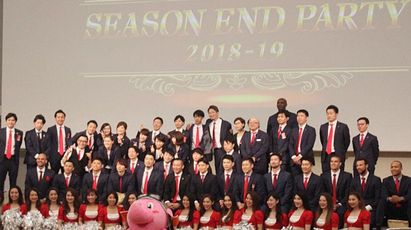 千葉ジェッツシーズン感謝祭の集合写真Ⓒマンティー・チダ