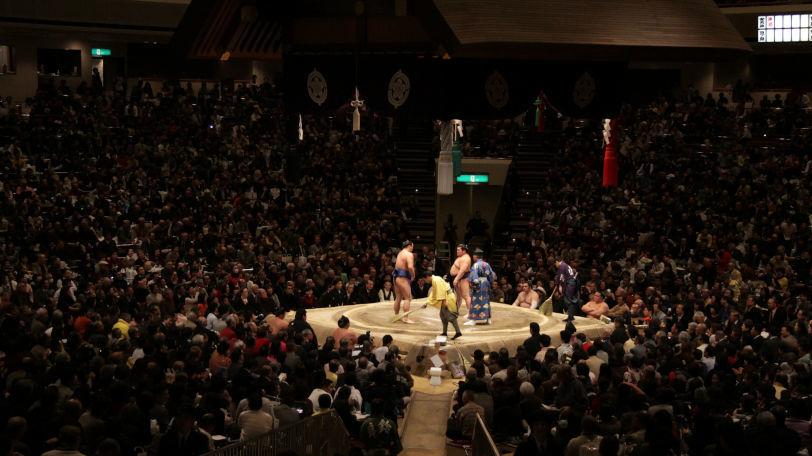 優勝争いも佳境に入ってきた大相撲夏場所ⒸJ. Henning Buchholz/Shutterstock.com