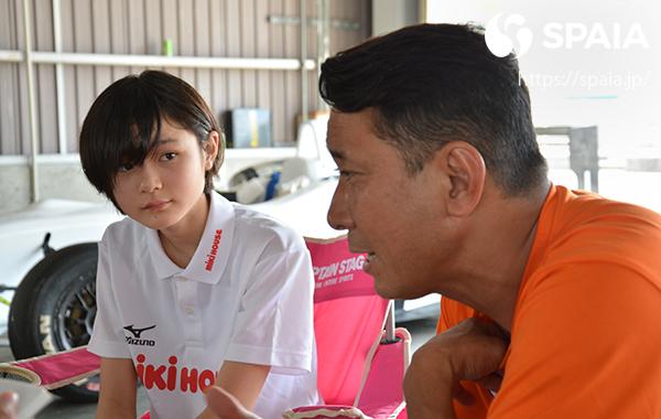 インタビューに答える野田英樹氏とJuju選手ⒸSPAIA