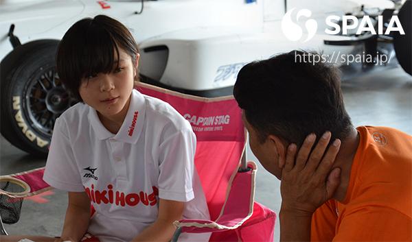 インタビューに答えるJuju選手(左)と野田英樹氏ⒸSPAIA